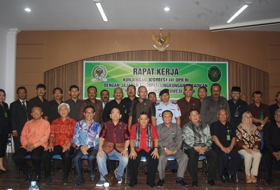 Rapat Kerja Komisi III DPR-RI Dengan 4 Lingkungan Peradilan Se – Sulawesi Utara