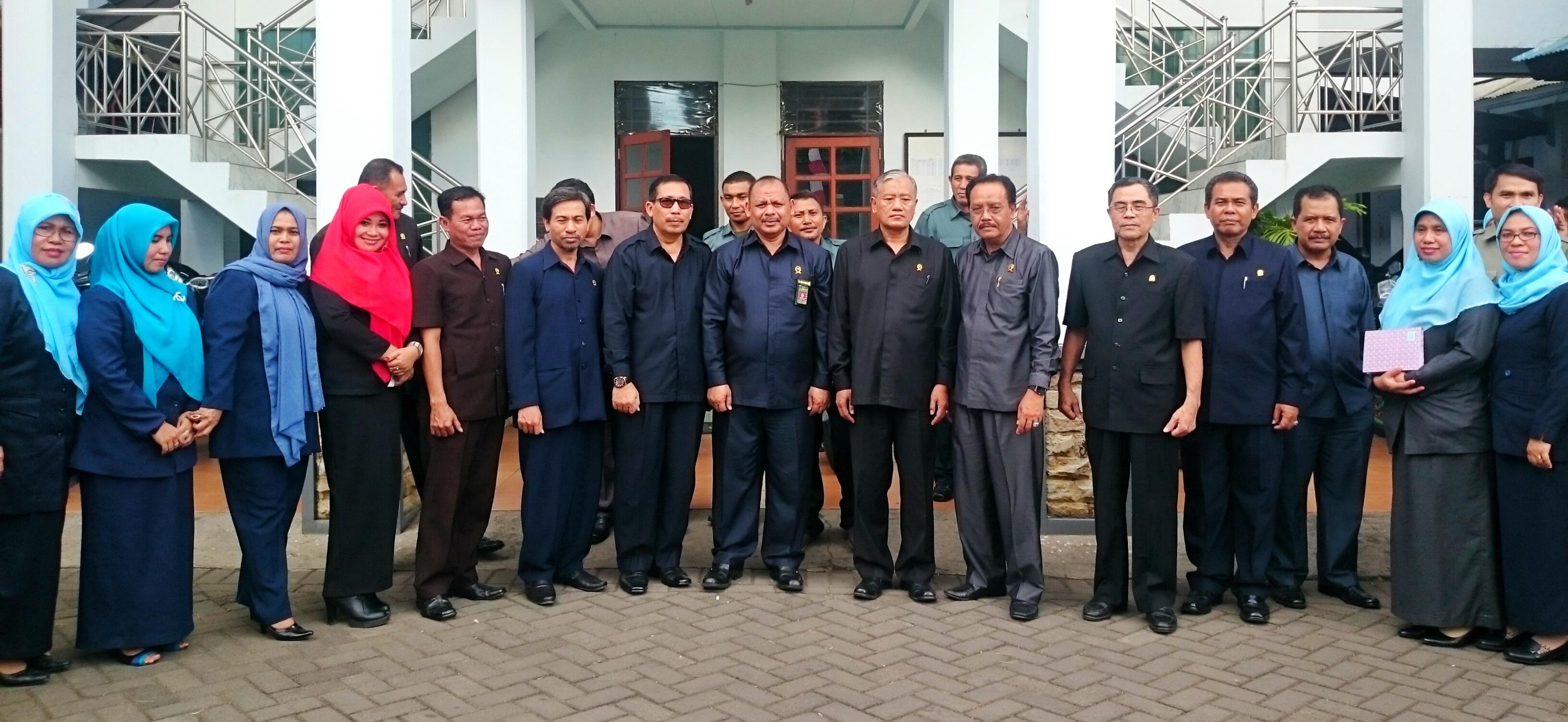 Kunjungan Sekretaris Dirjen Badilag di PA. Manado