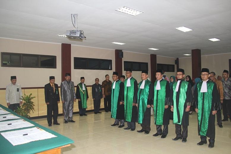 Ketua PTA Manado melantik 6 Pimpinan Pengadilan Agama di Wilayah PTA Manado