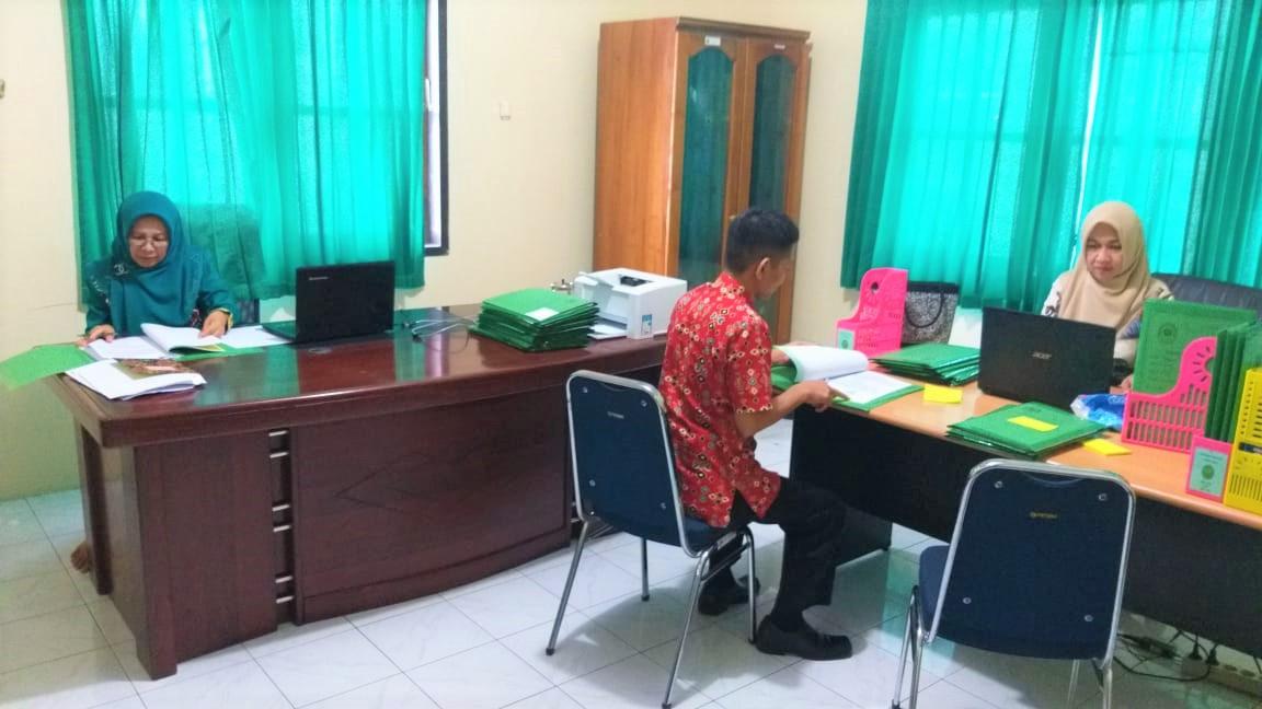 Jaga Kualitas Arsip Digital, Hakim PA  Manado Eksaminasi Berkas