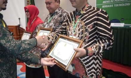 PA Manado Menerima Penghargaan dari PTA Manado dalam hal Penyerapan Anggaran 2019 dan PTSP