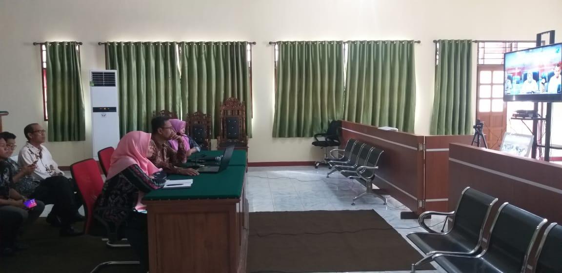 PA Manado mengikuti Sosialisasi dan Diskusi Streaming Aplikasi Basis Data Kemiskinan