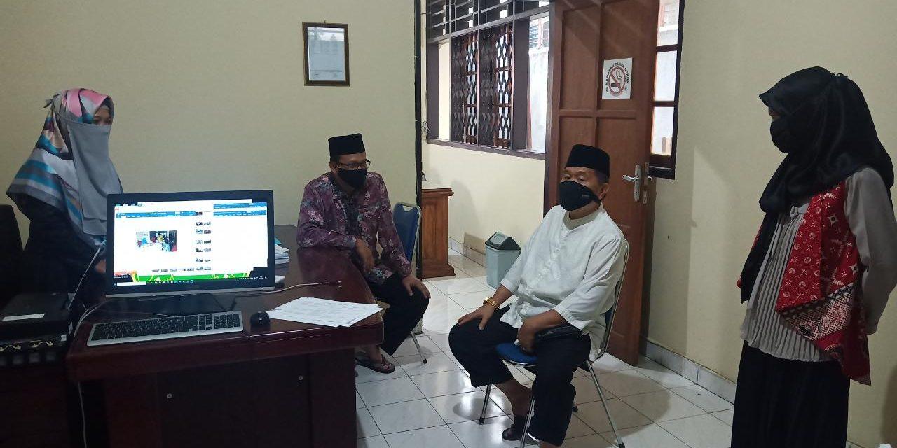 Hari Kerja, KPTA dan Waka PTA Manado sidak di PA Manado.