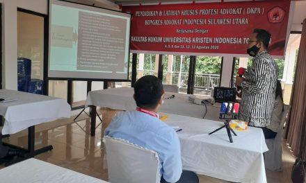 Ketua PA Manado memberi materi pada Kegiatan Pelatihan Khusus Profesi Advokat